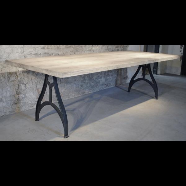 Industrial Design Tisch mit Rustikal Eiche Tischplatte, 4,5cm DT01