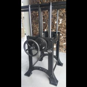 Industrie Design Tischgestell höhenverstellbar, für runde / quadratische Blätter DT24-LOS