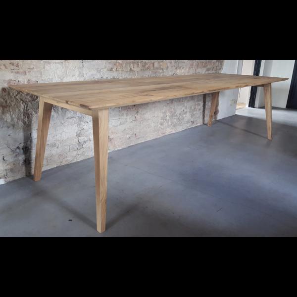 Retro Tisch Nordic hergestellt aus Altholz Eiche und Stahl Z004