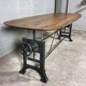 Höhe verstellbare Tisch mit Ovaler Tischplatte aus Amerikanischem Nussbaumholz