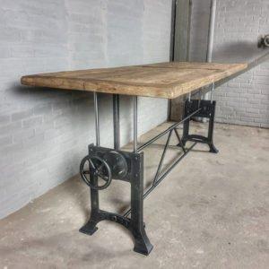 Höhenverstellbare Industrie Tisch & sonnenverbrannte Altholz Eiche Tischplatte - DT03-5