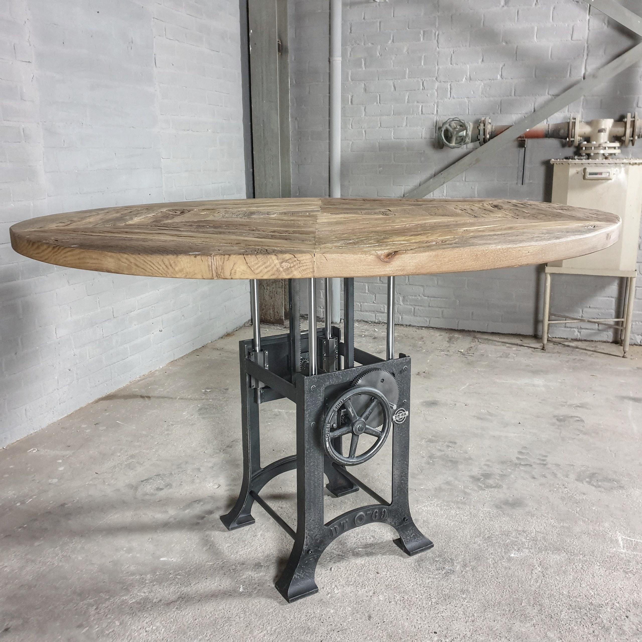 Runder Höhenverstellbare Industrie Design Tisch, sonnenverbrannte Altholz Eiche 5cm dick