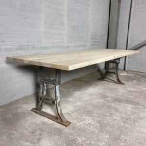 Tisch Industrie design - Altholz Eiche Gebleicht - Alte Gusseiserne Beine - IND713