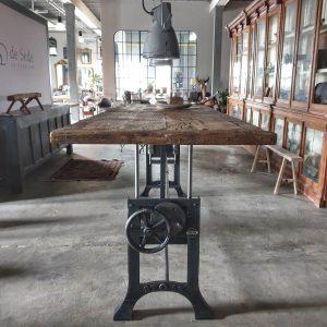 in-hoogte-verstelbare-tafel-industrieel-oud-eiken-blad-ind736-01