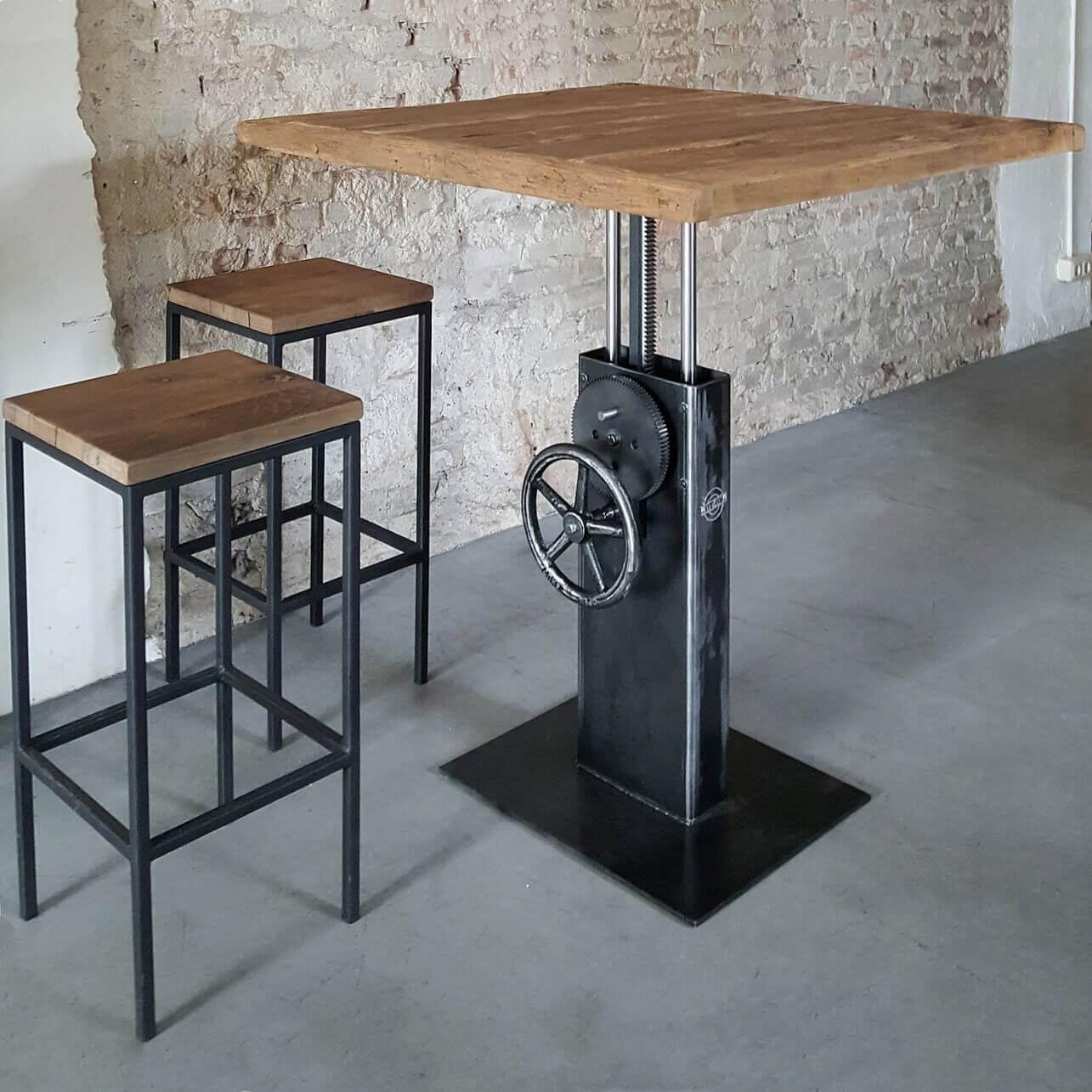 Industrie Design Bistrotisch höhenverstellbar mit Altholz
