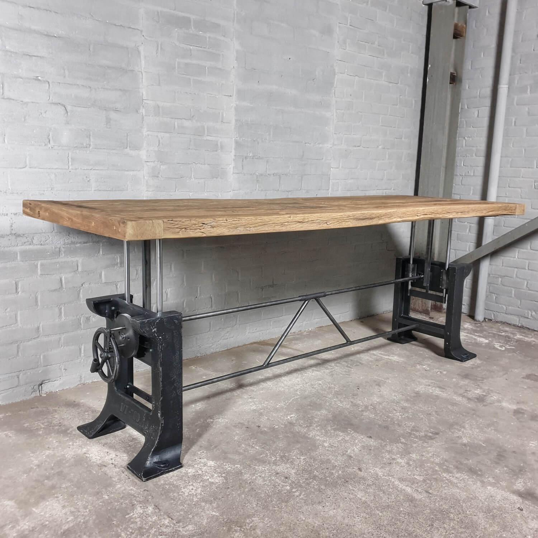 Esstisch höhenverstellbar industrie Design Tischplatte aus