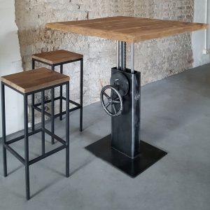Industrie Design Bistrotisch höhenverstellbar mit Altholz Eiche Tischplatte – DT26