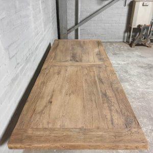 Eiche Esstisch - Tischbeine aus Eisen - Top045
